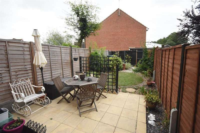 2 Bedrooms Terraced House for sale in Thatch Meadow Drive, Market Harborough
