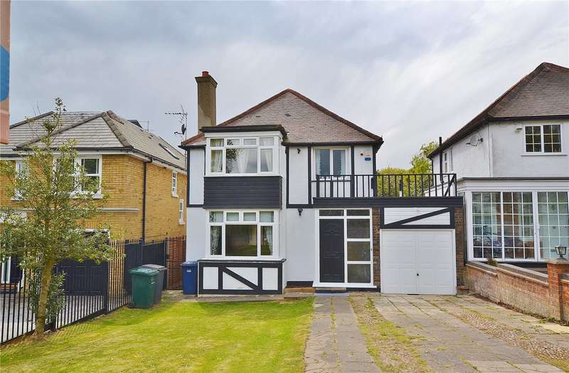 4 Bedrooms Detached House for sale in Barnet Gate Lane, Barnet, Hertfordshire, EN5