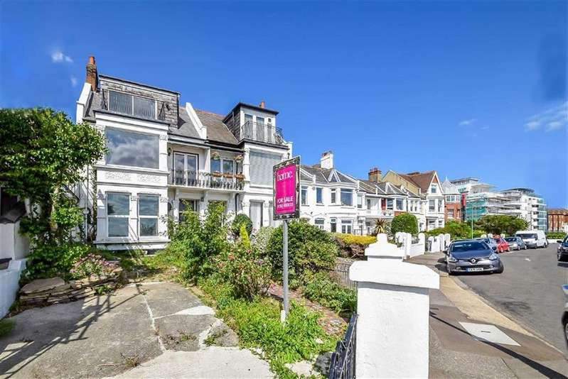 4 Bedrooms End Of Terrace House for sale in Clifton Drive, Westcliff-on-sea, Essex