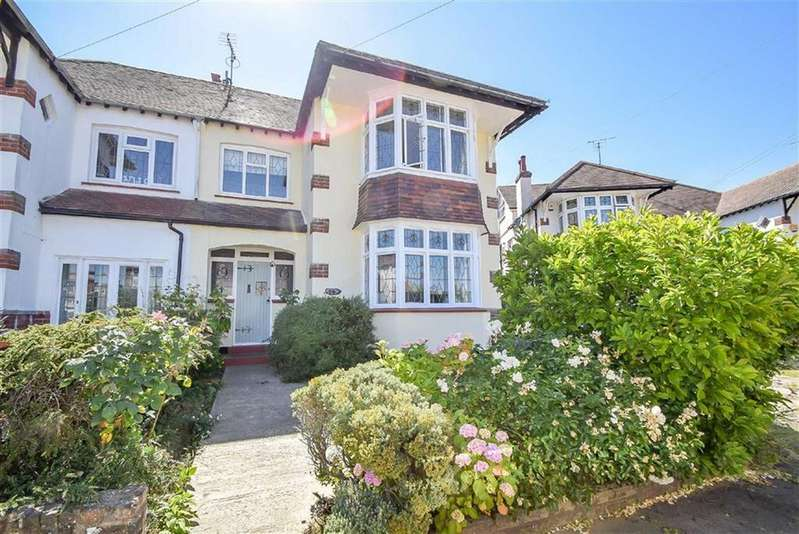5 Bedrooms Semi Detached House for sale in Aberdeen Gardens, Leigh-on-sea, Essex