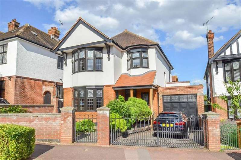 4 Bedrooms Detached House for sale in Mount Avenue, Westcliff On Sea, Essex