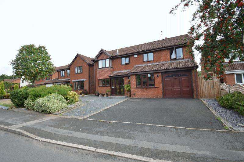 4 Bedrooms Detached House for sale in Berkeswell Close, Church Hill North, Redditch