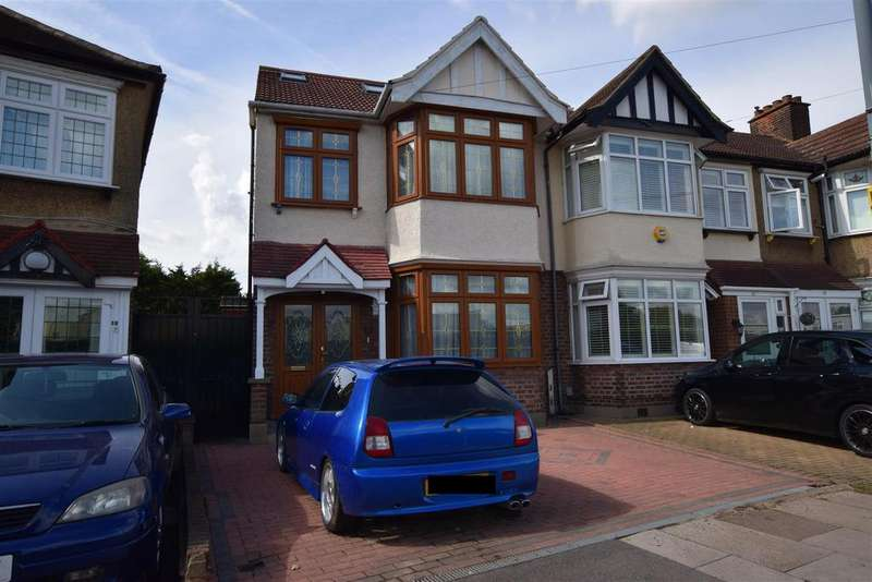 4 Bedrooms Semi Detached House for sale in Christie Gardens, Chadwell Heath