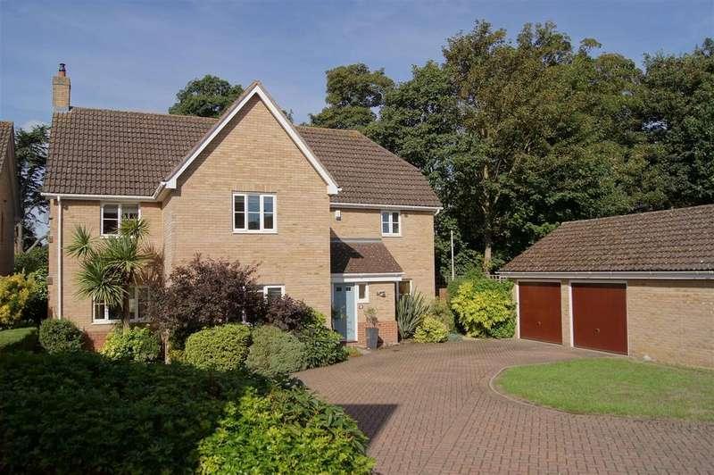 5 Bedrooms Detached House for sale in Midhurst Close, Bury St. Edmunds