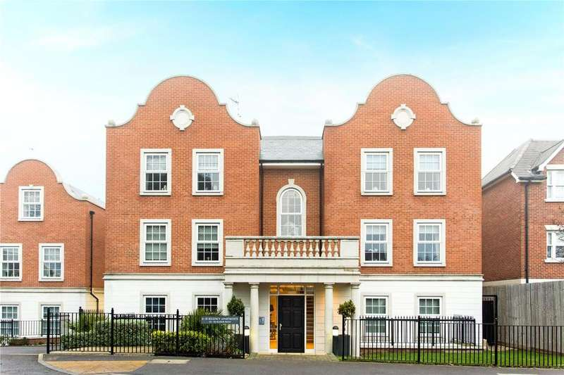 3 Bedrooms Maisonette Flat for sale in Regency Apartments, 114-118 Manor Road, Chigwell, Essex, IG7