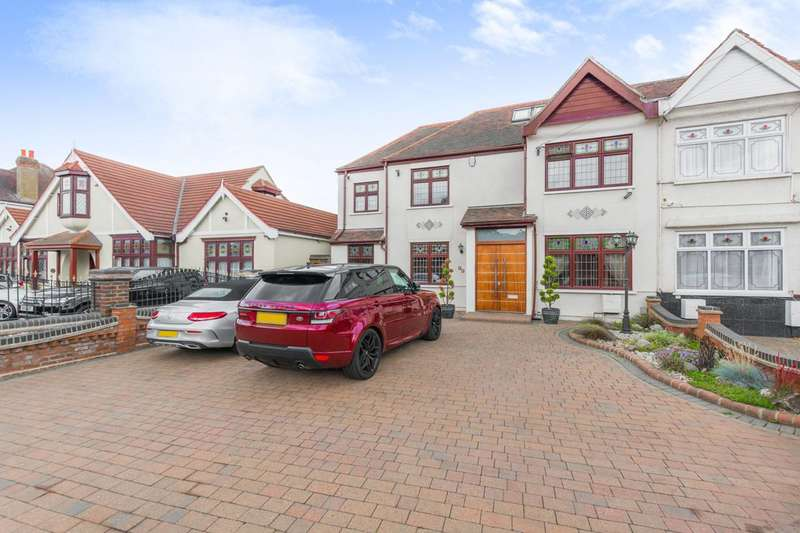 7 Bedrooms Semi Detached House for sale in Water Lane, Ilford, IG3