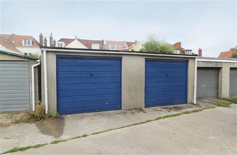 Garages Garage / Parking for sale in 39 Northumbria Drive, Henleaze, Bristol