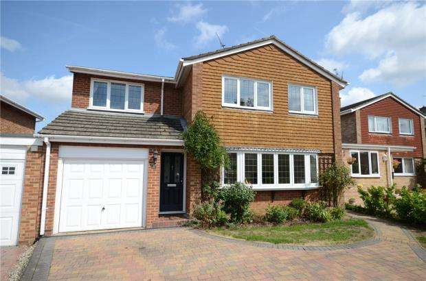 4 Bedrooms Detached House for sale in Marks Road, Wokingham, Berkshire