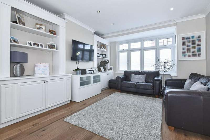 3 Bedrooms Terraced House for sale in Greenwood Close, Morden