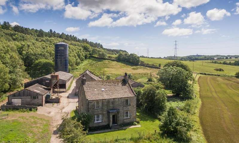 4 Bedrooms Farm House Character Property for sale in Old Parkside Farm, Quernmore LA2 9HH