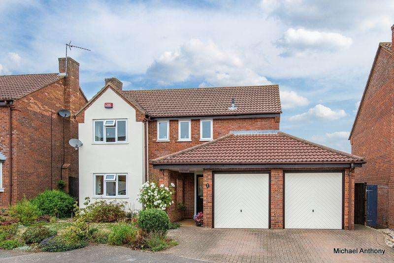 4 Bedrooms Detached House for sale in Normandy Way, Bletchley, Milton Keynes
