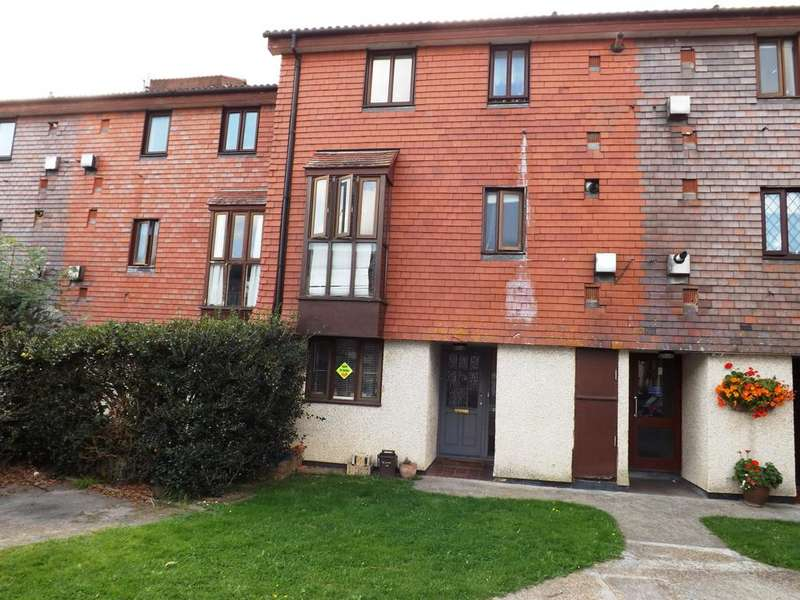 3 Bedrooms Flat for sale in Derwent Road, Raynes Park, Raynes Park