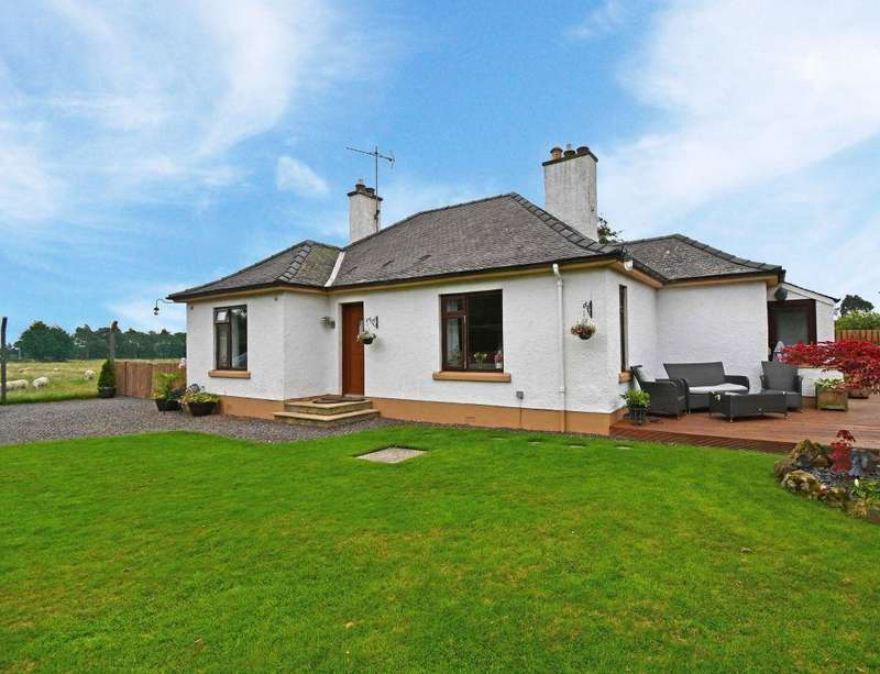 3 Bedrooms Detached House for sale in East Cottage, 3 Seafield, Near Roslin, EH25 9RQ