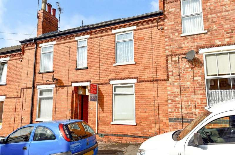 3 Bedrooms Terraced House for sale in Sherbrooke Street, Lincoln, LN2