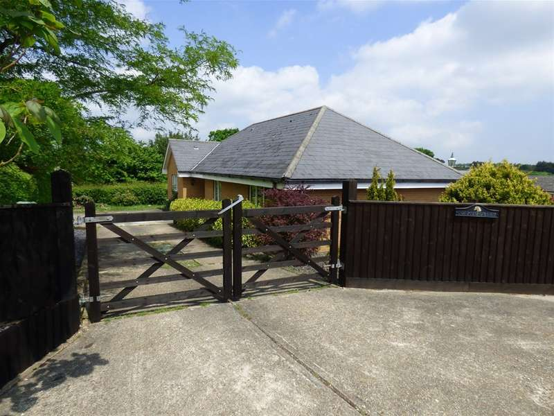 4 Bedrooms Property for sale in Whippingham, East Cowes, Isle Of Wight