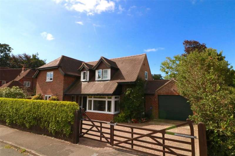 3 Bedrooms Detached House for sale in Bitterne Way, Lymington, Hampshire, SO41