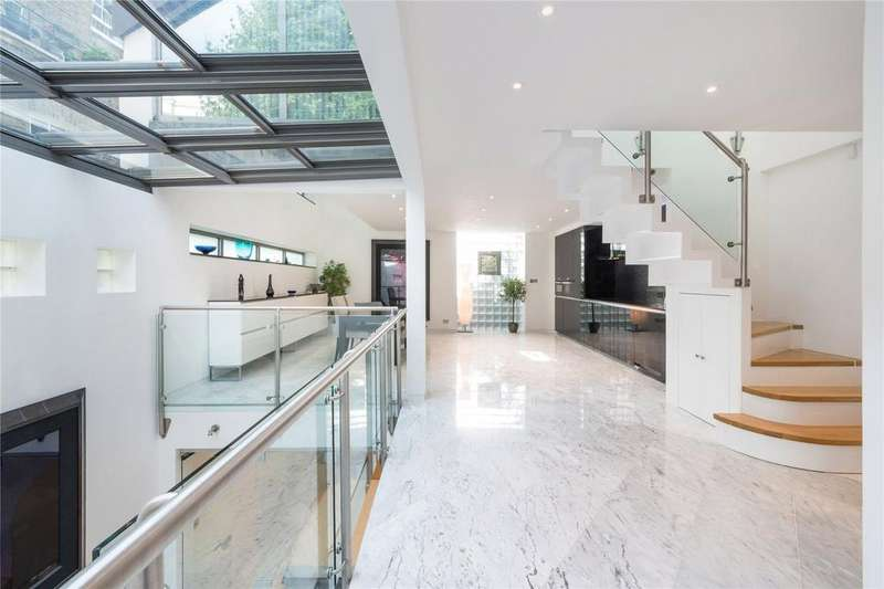 2 Bedrooms House for sale in Richmond Crescent, Barnsbury, London