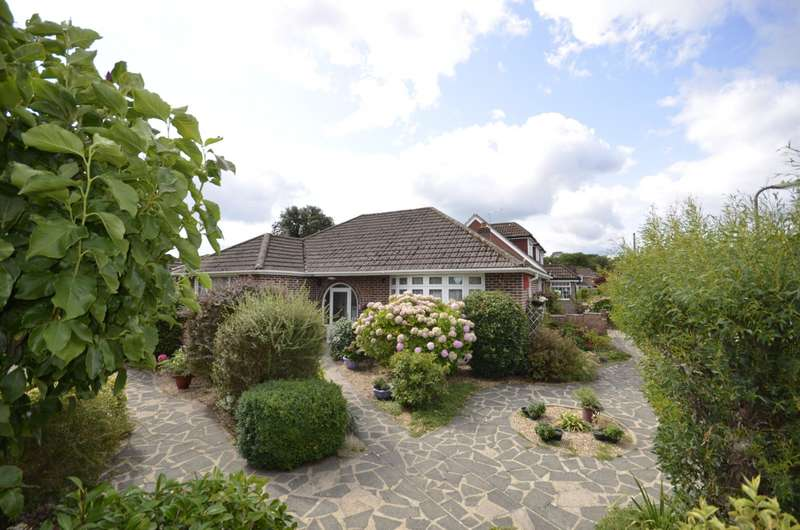 2 Bedrooms Detached Bungalow for sale in Grosvenor Gardens, West End, Southampton, SO30