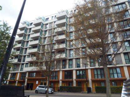 3 Bedrooms Flat for sale in Olympic Village, London