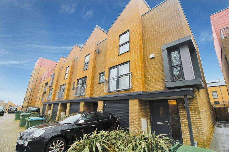 4 Bedrooms Town House for sale in Mansfield Park Street, Southampton