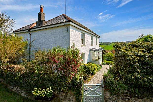 5 Bedrooms Detached House for sale in Tideford Cross, Saltash, Cornwall