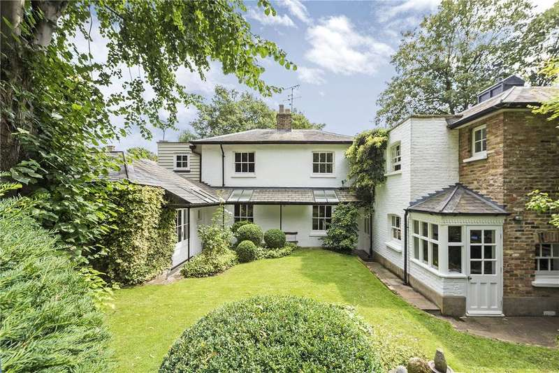 4 Bedrooms Detached House for sale in Kennel Lodge, London, SW15