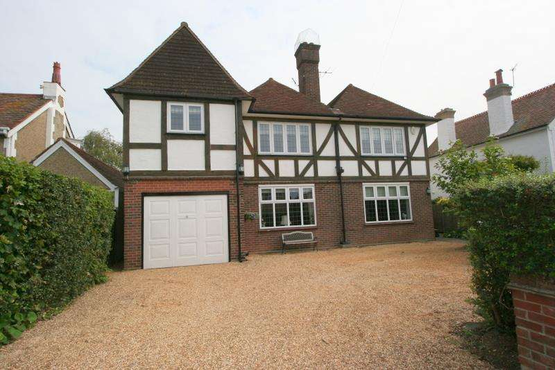 5 Bedrooms Detached House for sale in Fourth Avenue, Frinton-On-Sea