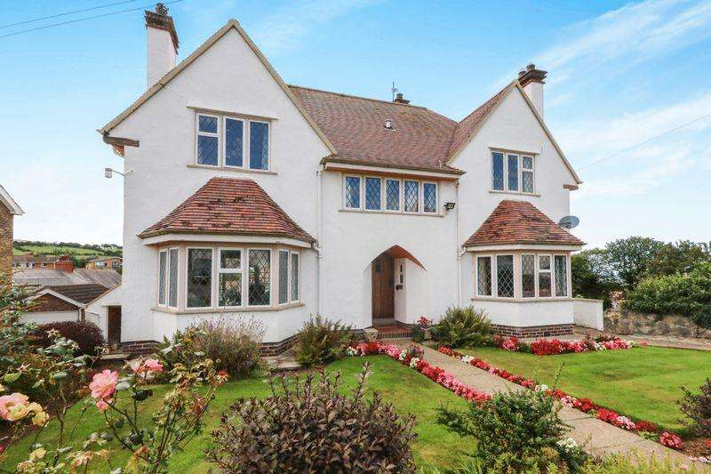 4 Bedrooms Detached House for sale in Meiriadog Road, Old Colwyn