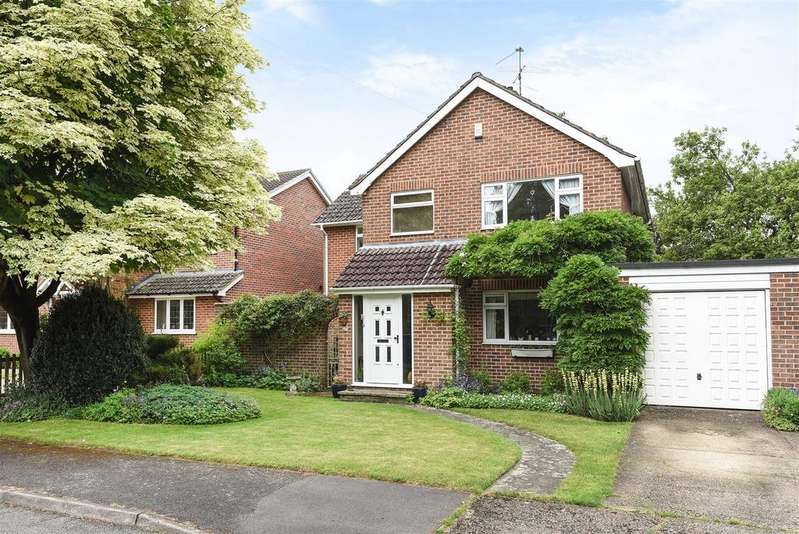 4 Bedrooms Link Detached House for sale in Finchampstead Road, Finchampstead, Berkshire RG40 3JT