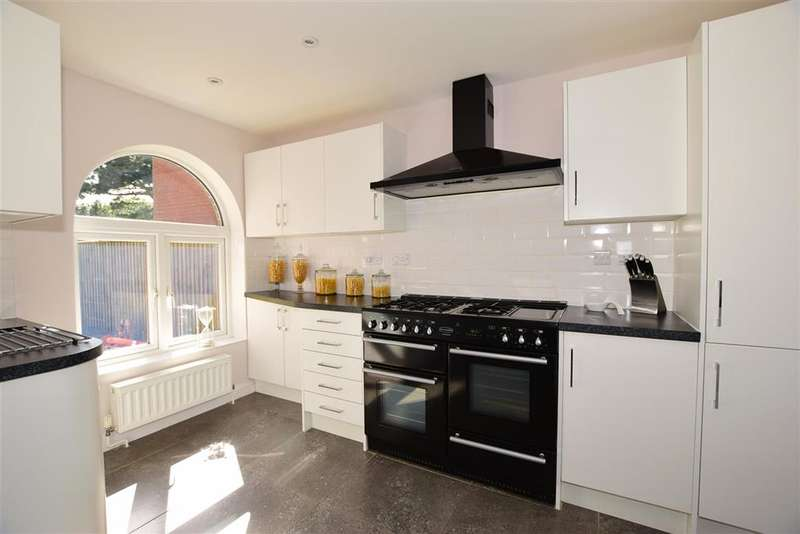 4 Bedrooms Detached House for sale in Madeira Lane, , Freshwater, Isle of Wight