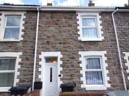 2 Bedrooms Terraced House for sale in Queen Street, Kingswood, Bristol