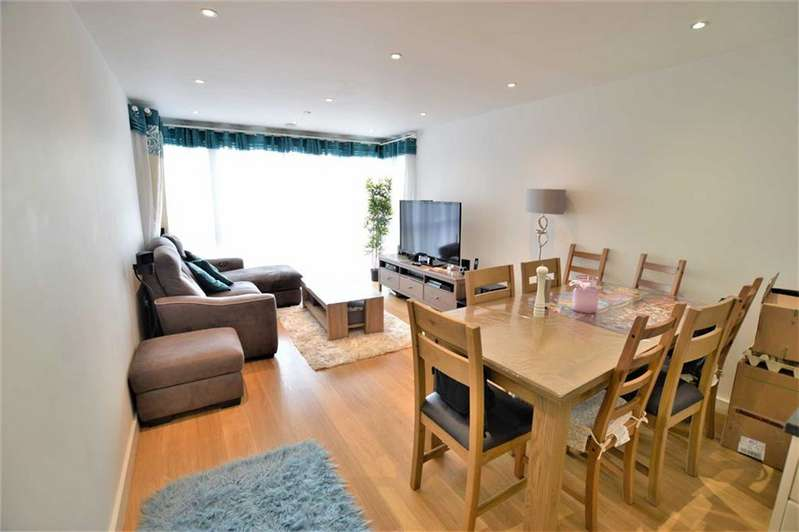 2 Bedrooms Flat for sale in Lexington Apartments, Slough, Berkshire