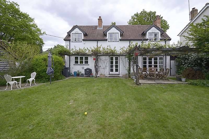 4 Bedrooms Detached House for sale in Hatch, Crowthorne, Berkshire, RG45