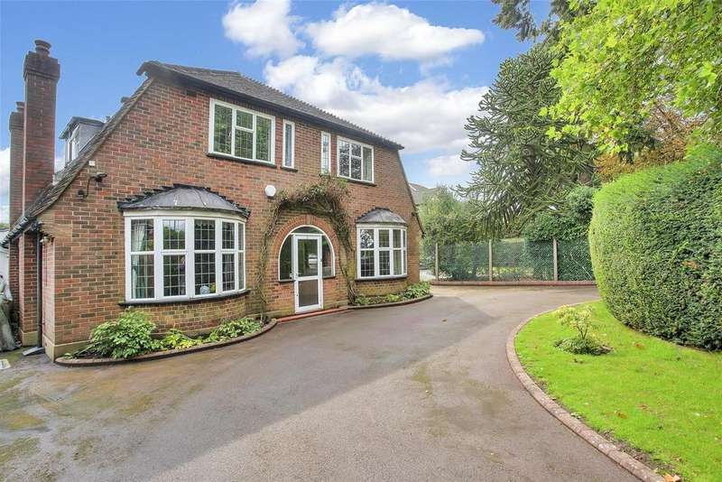 5 Bedrooms Detached House for sale in Garratts Lane, Banstead