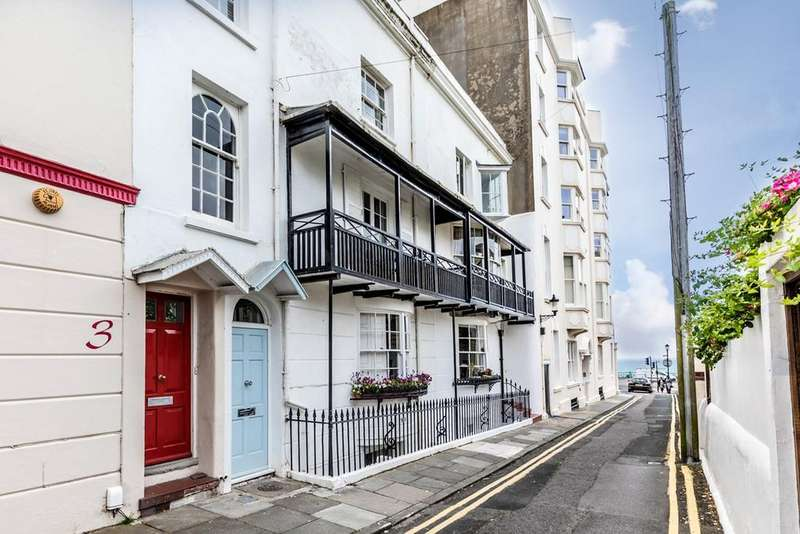 4 Bedrooms Terraced House for sale in Crescent Place, Brighton, BN2