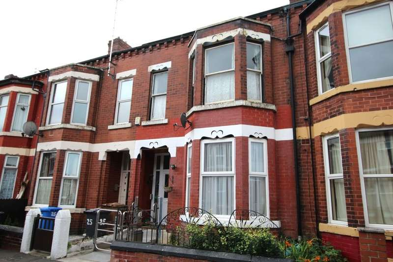 6 Bedrooms Terraced House for sale in Carlton Road, Salford, M6