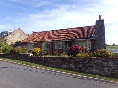 3 Bedrooms Bungalow for sale in Main Road, Aislaby, Whitby, North Yorkshire