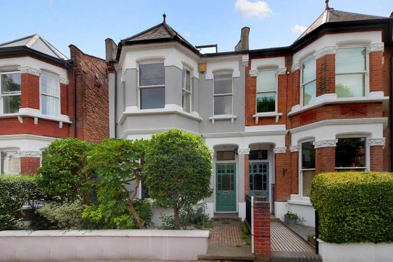 4 Bedrooms Semi Detached House for sale in Hillcrest Road, W3