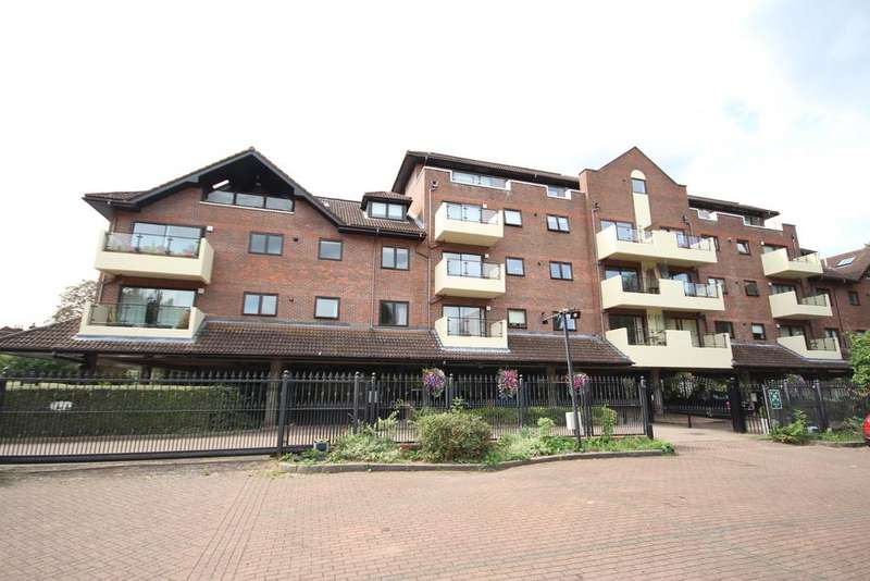 1 Bedroom Apartment Flat for sale in Ray Park Road, Maidenhead