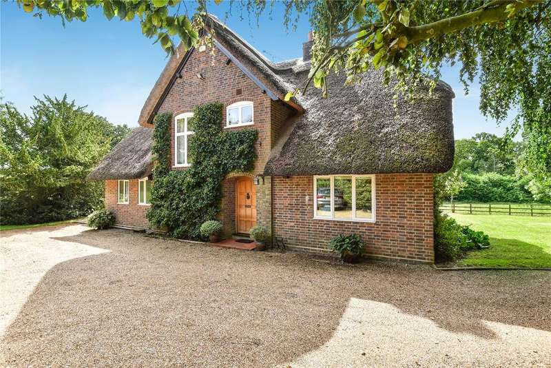 4 Bedrooms Detached House for sale in Knowle Lane, Horton Heath, Hampshire, SO50