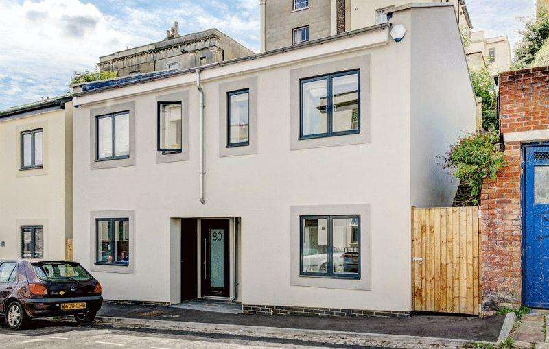 2 Bedrooms Semi Detached House for sale in Sydenham Road, Cotham