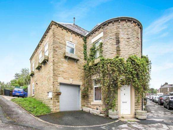 5 Bedrooms Terraced House for sale in Padfield DERBYSHIRE