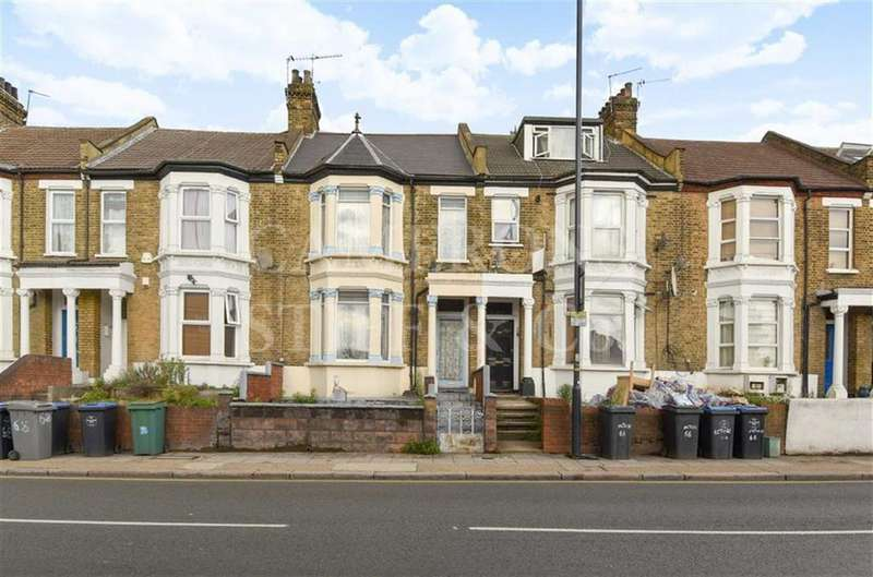 4 Bedrooms Terraced House for sale in Acton Lane, Harlesden, London, NW10