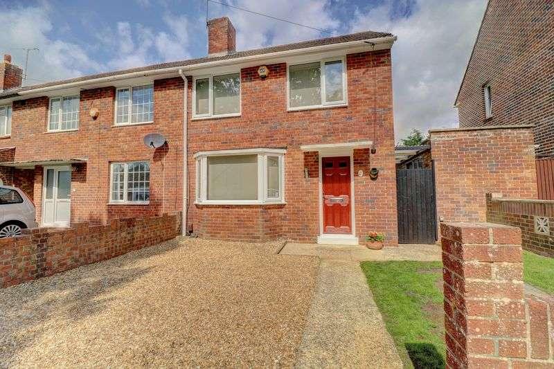 2 Bedrooms Property for sale in Stockheath Road, Havant