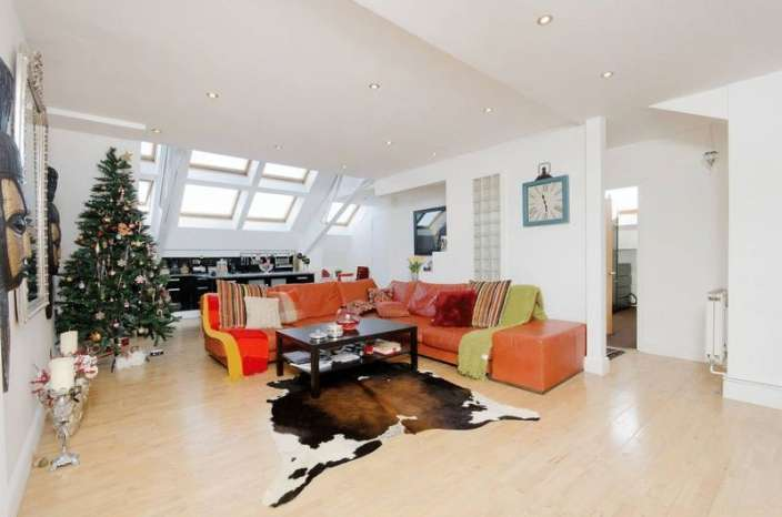 3 Bedrooms Flat for sale in Brook Road, Dollis Hill, London, NW2