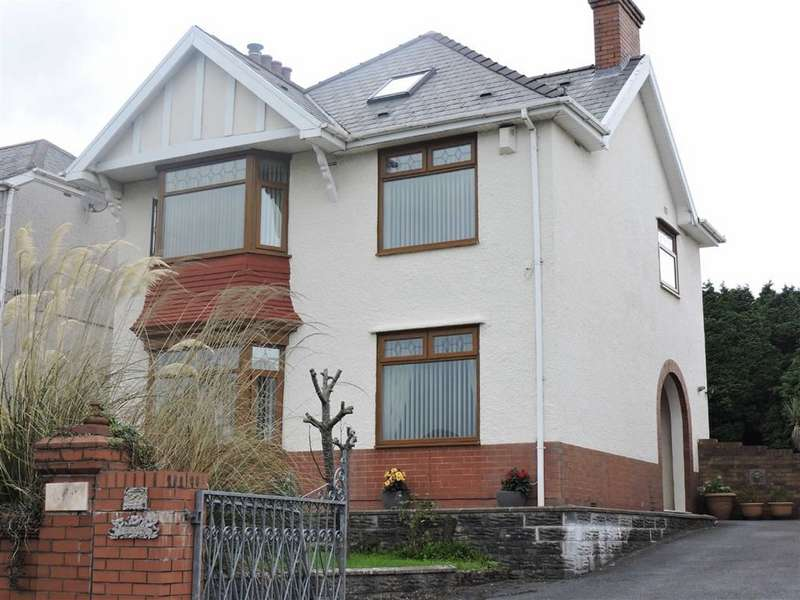 4 Bedrooms Detached House for sale in New Road, Treboeth