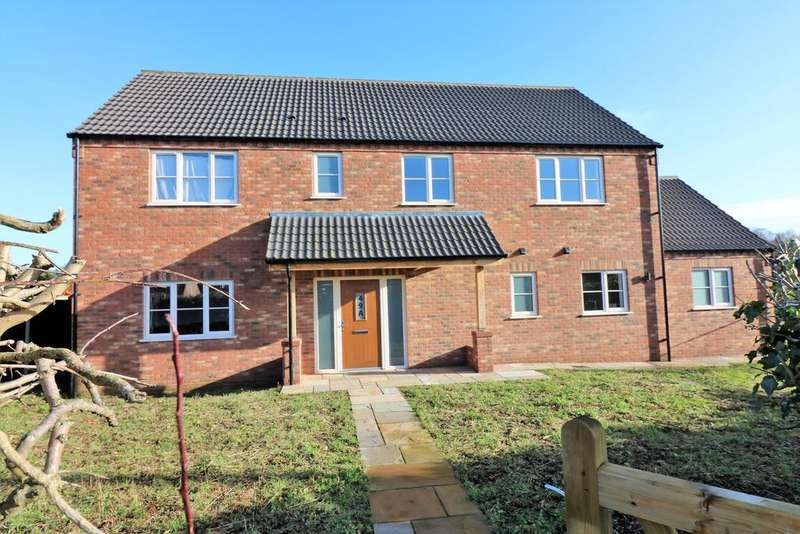 4 Bedrooms Detached House for sale in Hale Road, Necton PE37