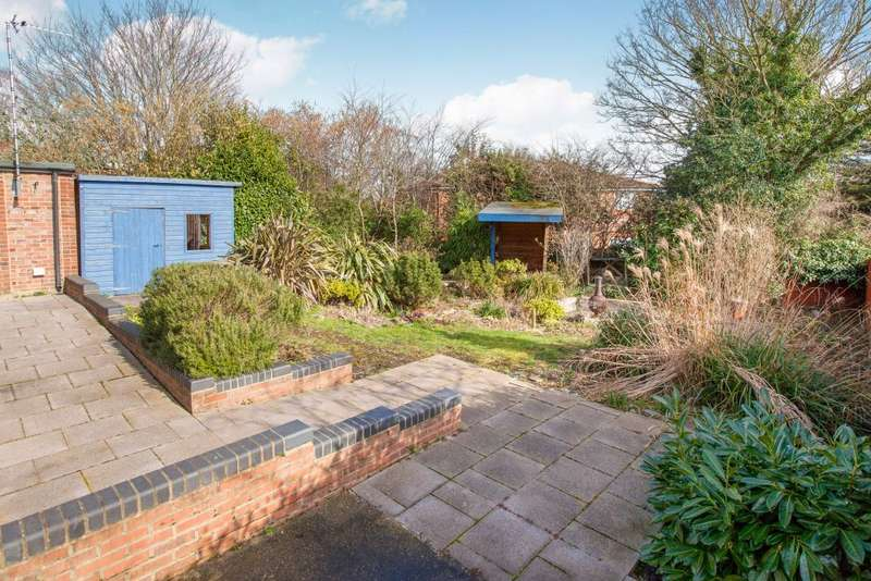 4 Bedrooms Detached House for sale in Boynhill road Maidenhead Berkshire, Maidenhead, Berkshire SL6 4HH
