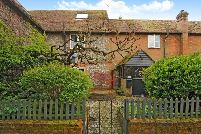 3 Bedrooms Cottage House for sale in West Wycombe Village, High Wycombe, HP14