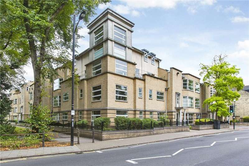 3 Bedrooms Apartment Flat for sale in Petersfield Mansions, Petersfield, Cambridge, CB1